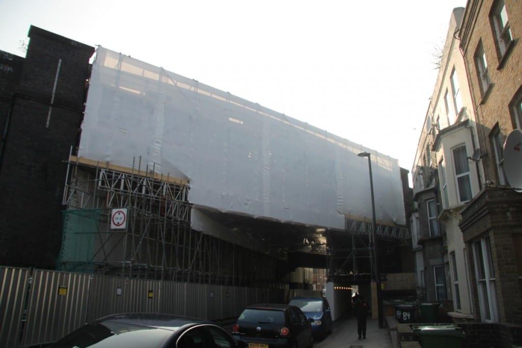 Railway Bridge scaffold encapsulation